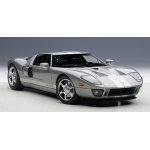 1:18 Ford GT (2004)